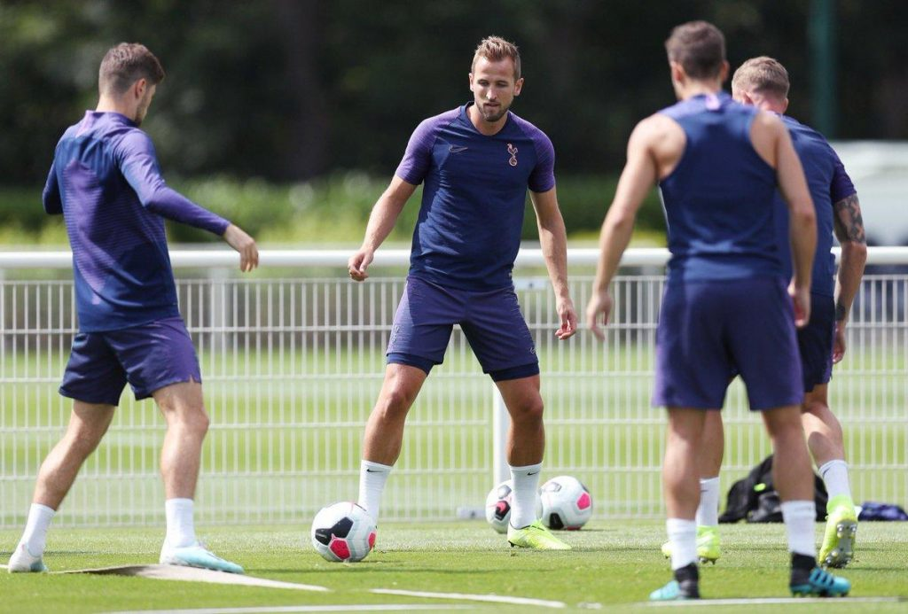 tottenham-harry-kane-training