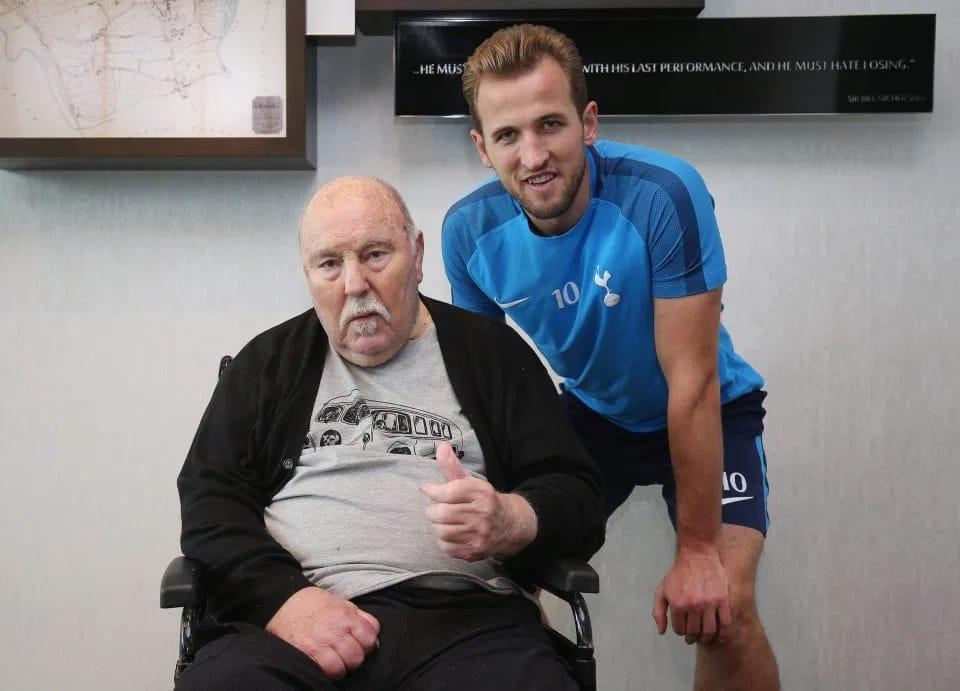 Harry-Kane-Spurs-Legend-Jimmy-Greaves