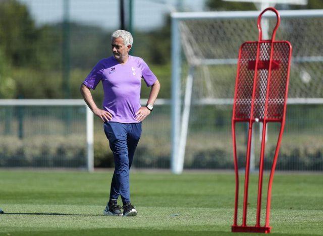 jose-mourinho-training-tottenham-spurs