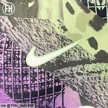 nike-logo-tottenham-hotspur-third-kit-2021-22